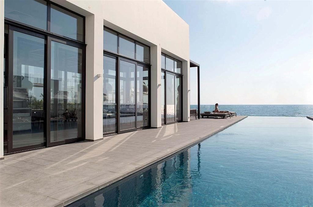 Infinity pool (Large)